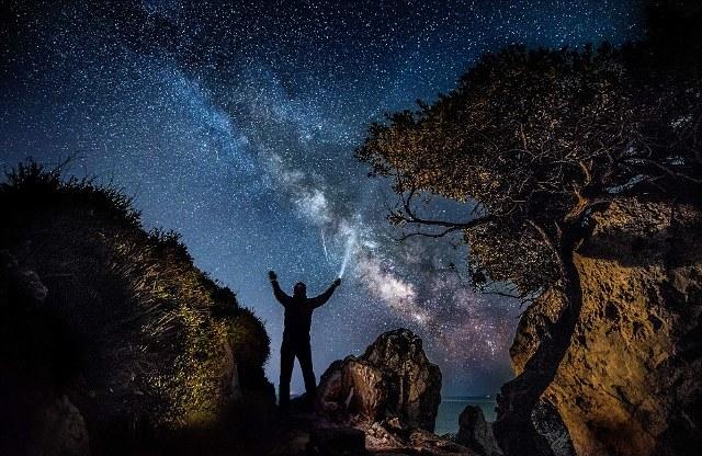 perierga.gr - Μαγευτικό καλειδοσκόπιο χρωμάτων στο νυχτερινό ουρανό!