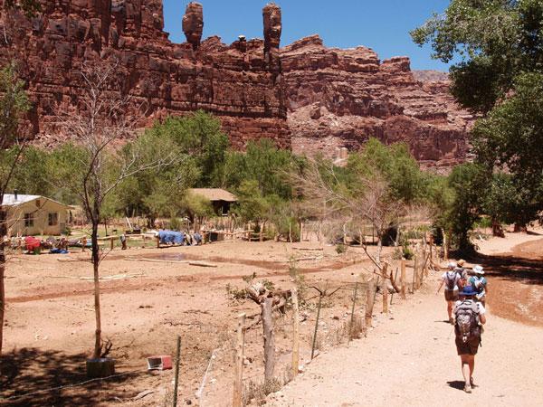 perierga.gr - Άγνωστο ινδικό χωριό μέσα στο Grand Canyon!