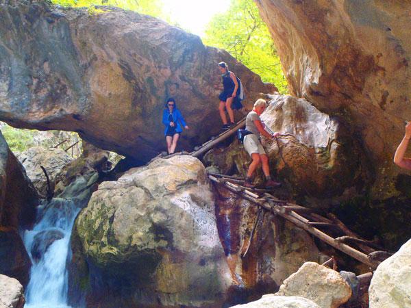 perierga.gr - Lonely Planet: Oι 10 κορυφαίοι προορισμοί για ορειβασία στην Ελλάδα