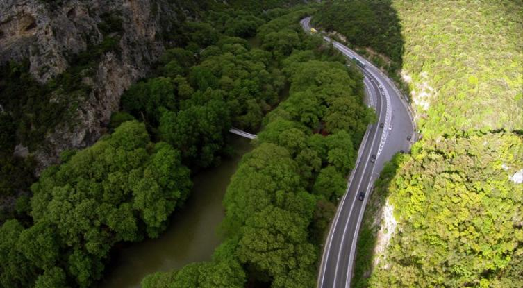 perierga.gr - Η πανέμορφη κοιλάδα των Τεμπών από ψηλά!