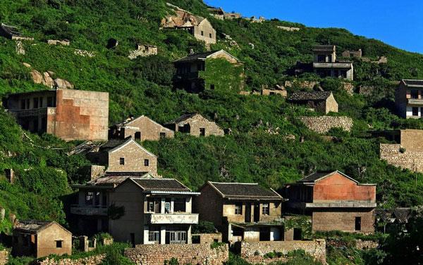 "perierga.gr - Το ""πράσινο"" ψαροχώρι της Κίνας!"