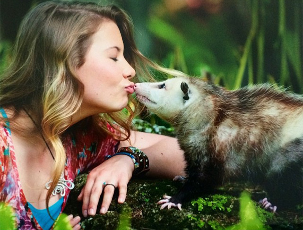 perierga.gr - Φίλη με τα άγρια ζώα!