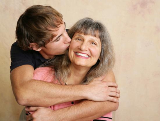 perierga.gr- Το «Ευχολόγιο» της μάνας! 40 ατάκες που όλοι έχουμε ακούσει