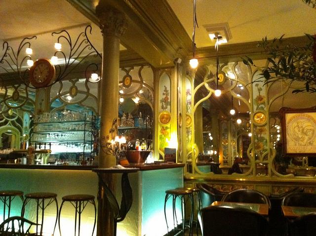 perierga.gr - 5 εντυπωσιακά εστιατόρια σε σταθμούς τρένων!