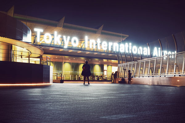 perierga.gr - Οι 24 ώρες ενός αεροδρομίου σε ένα βίντεο!