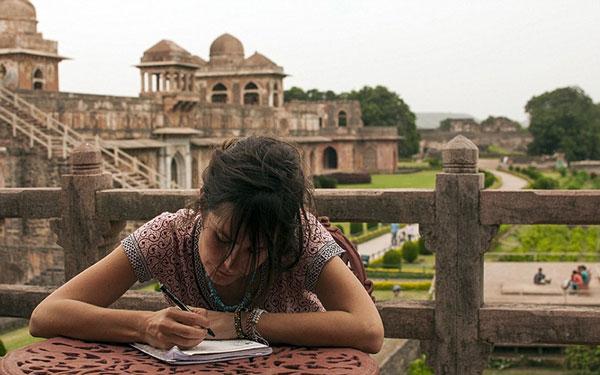 perierga.gr - Ταξιδεύοντας στην Ινδία… με τα πόδια!