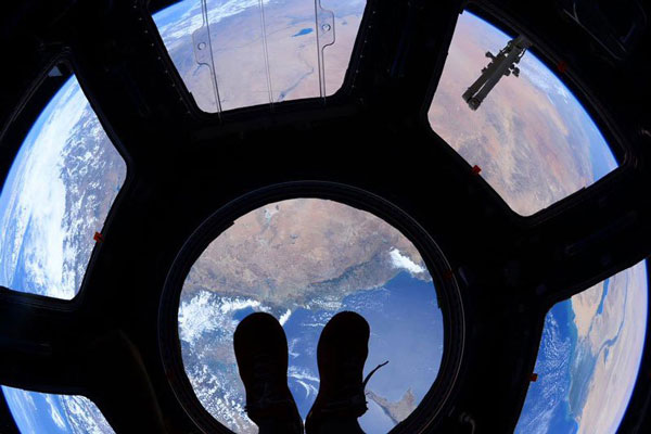 perierga.gr - Πατώντας στην κορυφή του κόσμου!