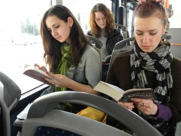 Perierga.gr - Δωρεάν διαδρομές για όποιον διαβάζει στο αστικό!