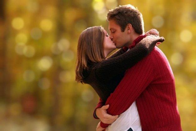 perierga.gr - Όσο πιο πολλά φιλιά τόσο πιο καλά!