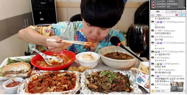 perierga.gr - 14χρονος βγάζει 1.500 δολ. τη μέρα τρώγοντας online!