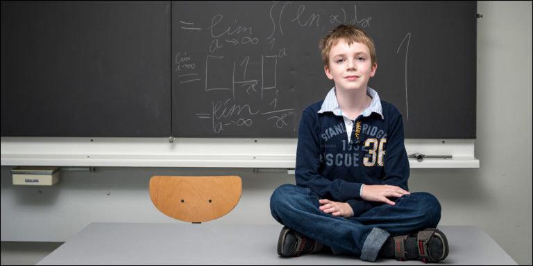 perierga.gr - 12χρονος φοιτά σε πανεπιστήμιο της Ελβετίας!