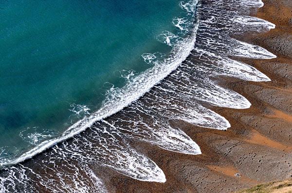 perierga.gr - Μυστηριώδεις σχηματισμοί σε παραλία!