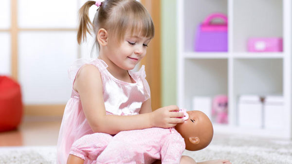 perierga.gr - Οι κούκλες κάνουν κακό στα κορίτσια!