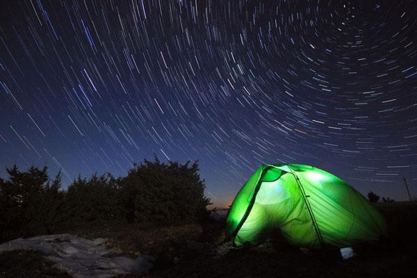 perierga.gr - Σκηνές κάτω από τον έναστρο ουρανό!