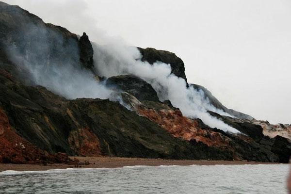 "perierga.gr - Οι ""καπνισμένοι λόφοι"" του Καναδά!"