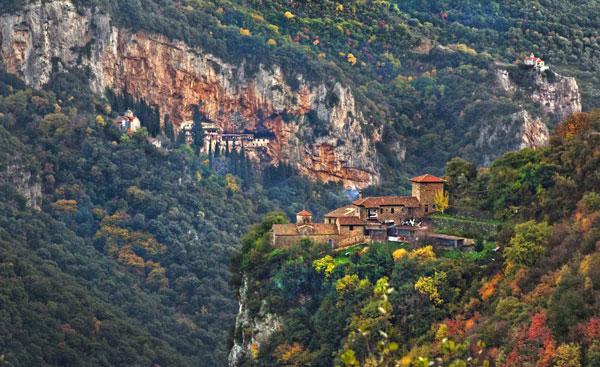 perierga.gr - Γνωρίστε 6 από τα ομορφότερα φαράγγια της Ελλάδας!