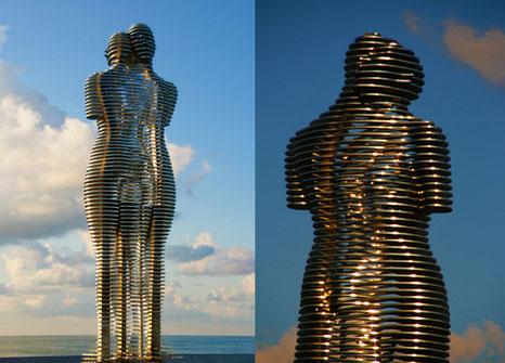 perierga.gr - Τα αγάλματα της αγάπης των λαών!