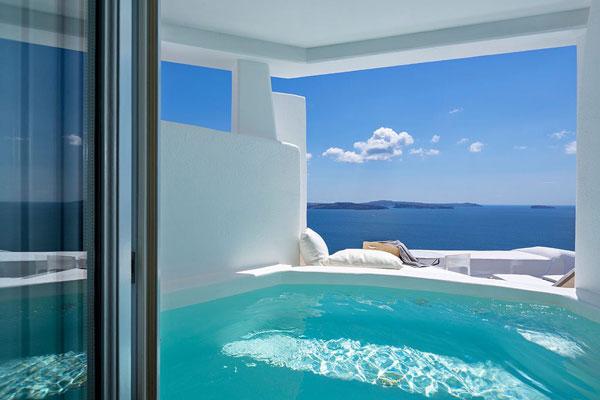 perierga.gr - Στη Σαντορίνη το καλύτερο ξενοδοχείο της Ευρώπης