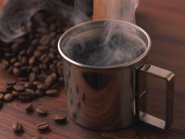 perierga.gr - Ο ζεστός καφές μάς κάνει κοινωνικούς!