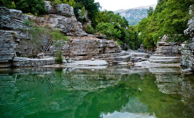 perierga.gr - Φυσικές πισίνες σε μία από τις πιο όμορφες κορυφές της Ελλάδας!