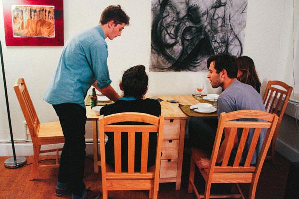 perierga.gr - Φοιτητής μετέτρεψε το δωμάτιο του σε... γκουρμέ εστιατόριο!