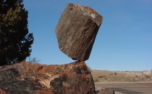 perierga.gr - Βράχοι που αιωρούνται στον κόσμο!