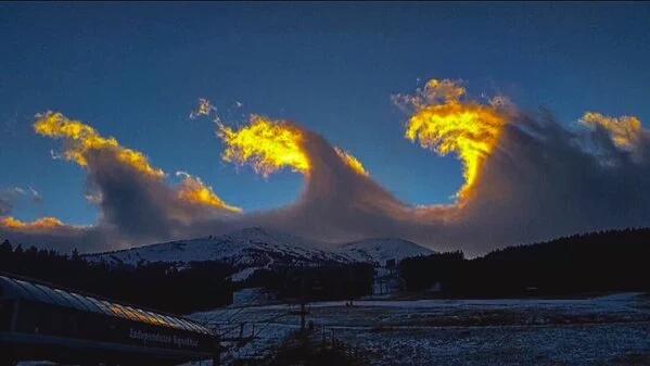 perierga.gr - Ο ουρανός έγινε... έργο ζωγραφικής τέχνης!