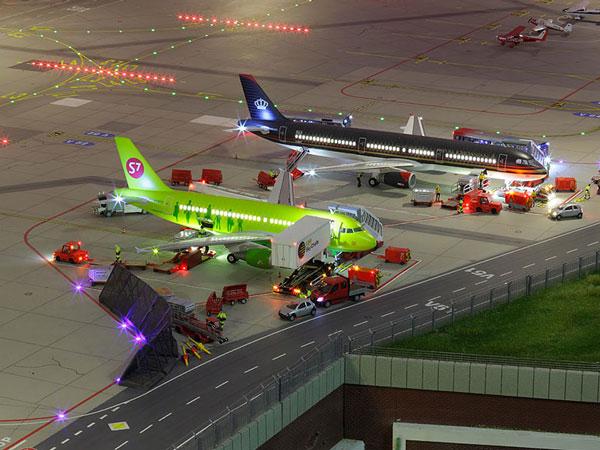 perierga.gr - Το μεγαλύτερο αεροδρόμιο-μινιατούρα στον κόσμο!