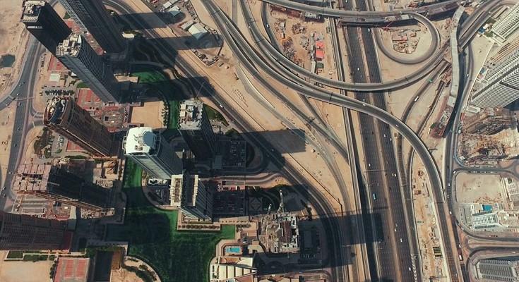 perierga.gr - Πετώντας με drone πάνω από το Ντουμπάι!