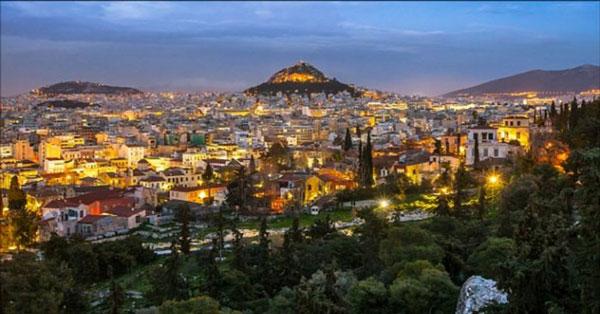 perierga.gr - Ύμνοι της Daily Mail: Η Αθήνα το μεγαλύτερο πανεπιστήμιο του κόσμου!