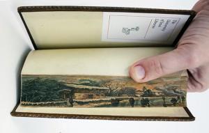 """perierga.gr - """"Κρυφός"""" πίνακας ζωγραφικής σε βιβλίο!"""