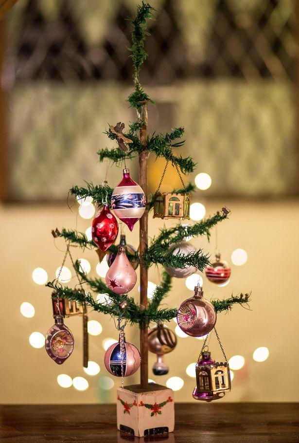perierga.gr - Χριστουγεννιάτικο δέντρο στολίζεται ανελλιπώς για 95 χρόνια!