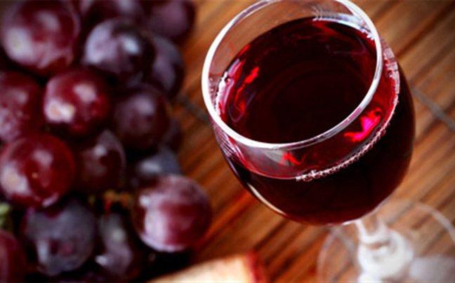 perierga.gr - Ένα ποτήρι κρασί είναι καλύτερο από το... γυμναστήριο!