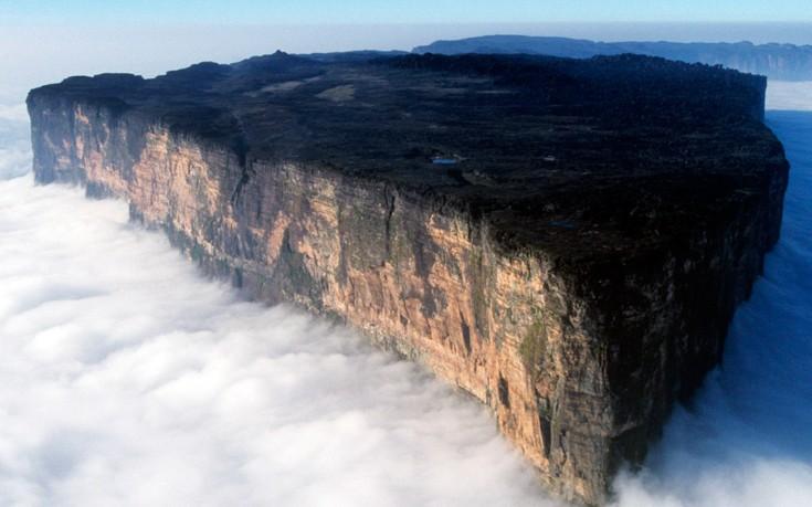 Perierga.gr - Το βουνό που δεν έχει κορυφή!