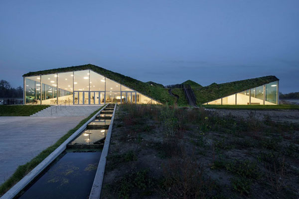 perierga.gr - Ταράτσα μουσείου γίνεται... καταπράσινο λιβάδι!