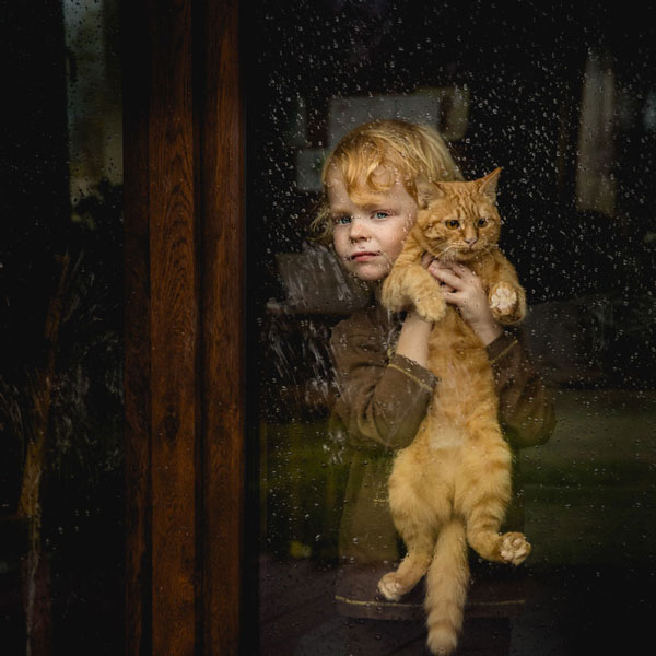 perierga.gr - Aπίθανες εικόνες παιδιών με τα κατοικίδιά τους!