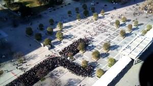 perierga.gr - Αποτελεσματική στρατηγική στον έλεγχο του πλήθους στην ουρά!