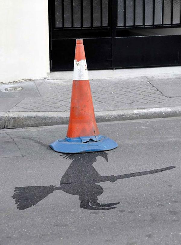 perierga.gr - Οι δρόμοι του Παρισιού γέμισαν χιουμοριστικές εικόνες!