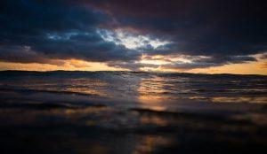 perierga.gr - Όταν το νερό συναντά τον ουρανό!