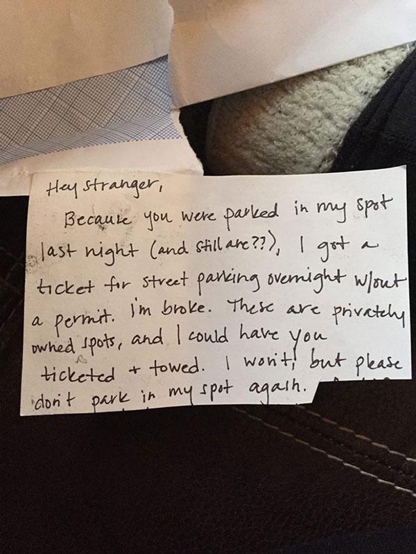 """perierga.gr - Της """"έκλεψε"""" τη θέση πάρκινγκ και την αποζημίωσε με το παραπάνω!"""