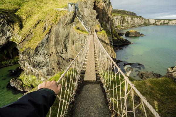 perierga.gr - Kρεμαστή γέφυρα πάνω από τον Ατλαντικό