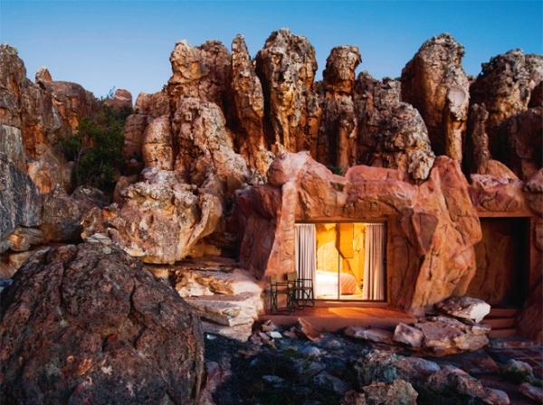 perierga.gr - Δωμάτια ξενοδοχείων σε σπηλιές!