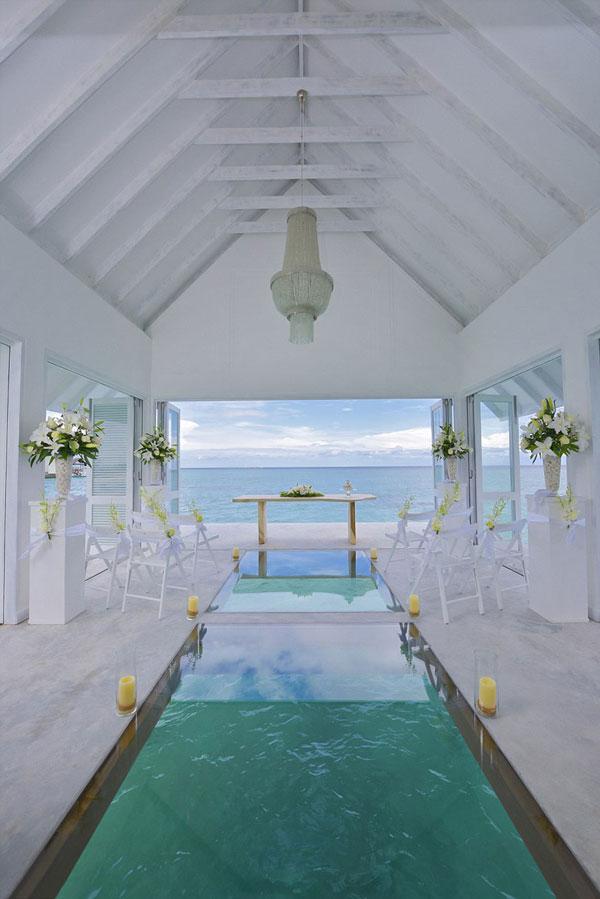 perierga.gr - Αίθουσα γάμου μέσα στη θάλασσα!