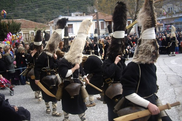 perierga.gr - Ελληνικά ήθη και έθιμα των Θεοφανίων