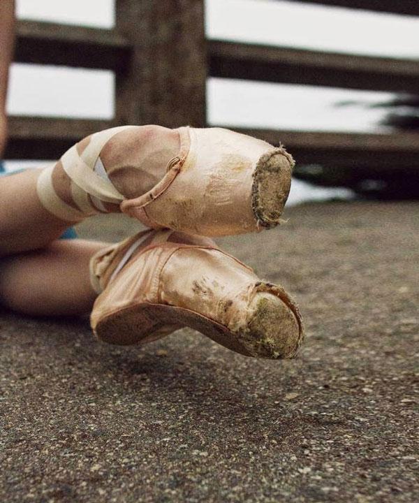 perierga.gr - Η υπερπροσπάθεια μιας μπαλαρίνας στο φακό!