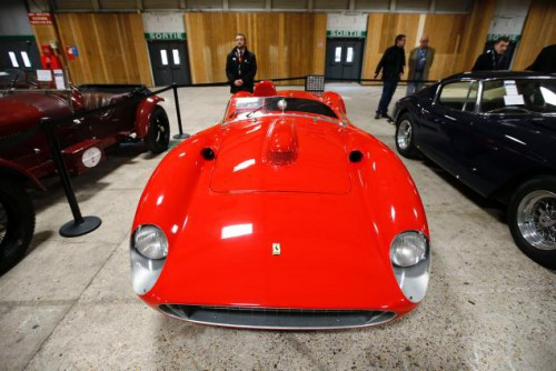 perierga.gr - Ποσό ρεκόρ 32 εκατ. ευρώ για μια vintage Ferrari!