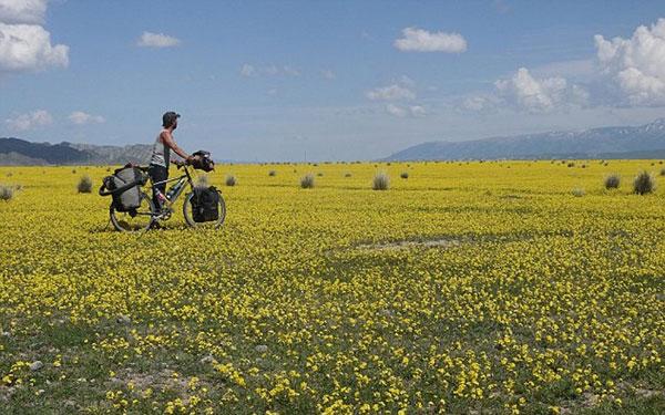 perierga.gr - Γυρίζοντας τον κόσμο με ποδήλατο!