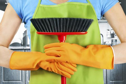 perierga.gr - Ιταλίδα κινδυνεύει με φυλάκιση γιατί δεν κάνει δουλειές του σπιτιού!