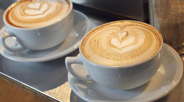 perierga.gr - «Ασπίδα» για το συκώτι δύο φλιτζάνια καφέ τη μέρα!
