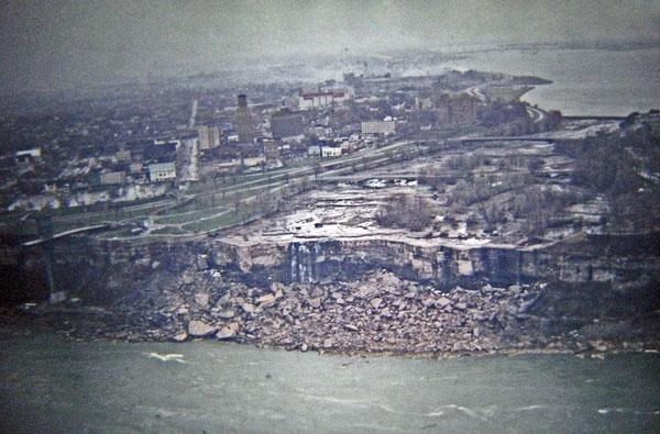 "perierga.gr - Οι καταρράκτες του Νιαγάρα ""στέρεψαν"" το 1969!"